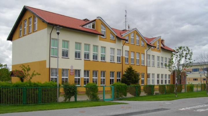 Społeczne Gimnazjum w Dźwirzynie ogłasza nabór do klasy I